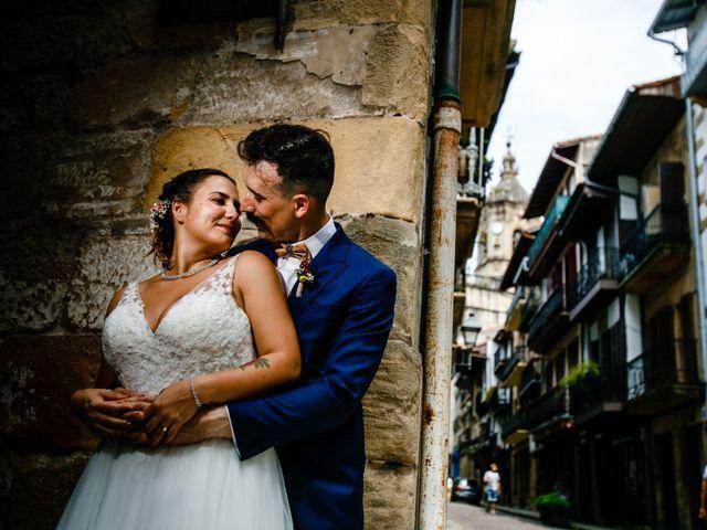 La boda de Josu y Carolina en Hondarribia, Guipúzcoa 34