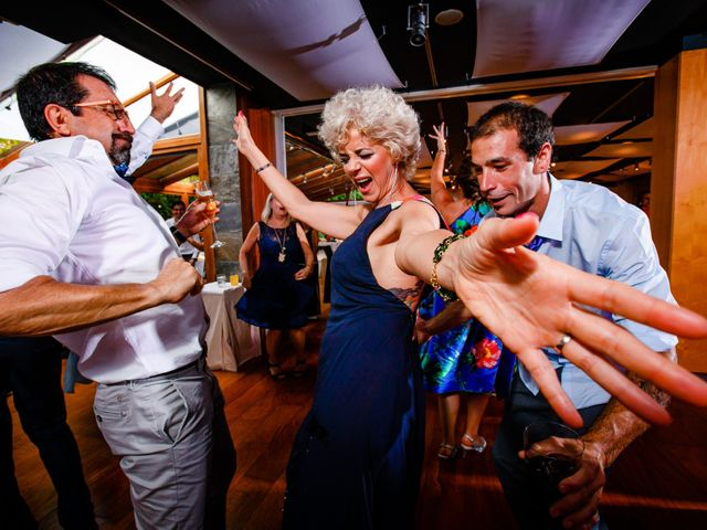 La boda de Josu y Carolina en Hondarribia, Guipúzcoa 50