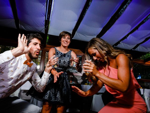 La boda de Josu y Carolina en Hondarribia, Guipúzcoa 51