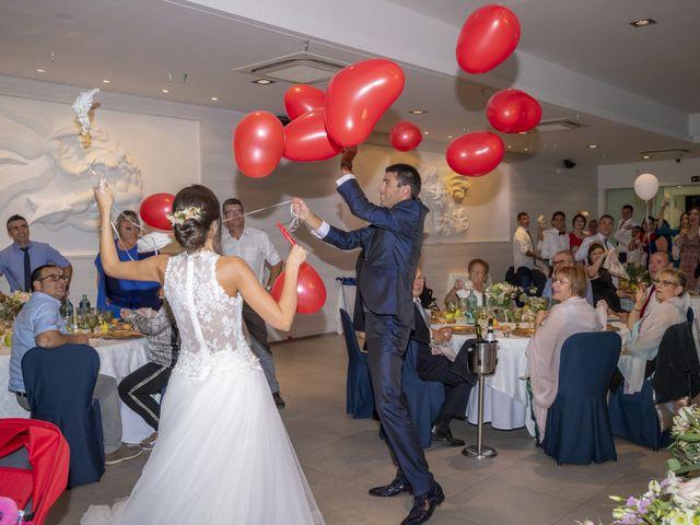 La boda de Eva y Albert en El Castell Del Remei, Lleida 41