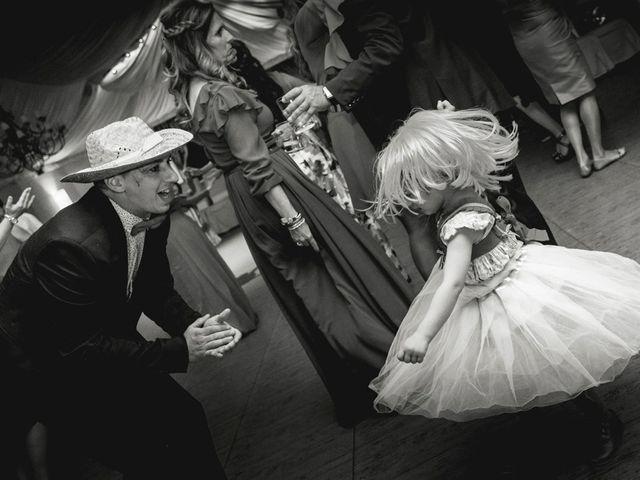 La boda de Miguel y Mar en Valdastillas, Cáceres 39