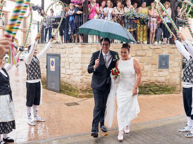 La boda de Javier y Adriana en Alcanadre, La Rioja 12