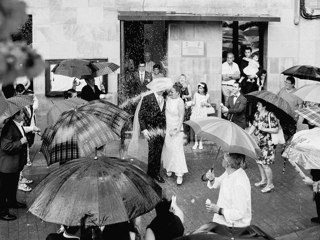 La boda de Javier y Adriana en Alcanadre, La Rioja 15