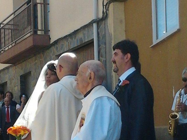 La boda de Luciane Aparecida y Juan Antonio en Trabazos, Zamora 6