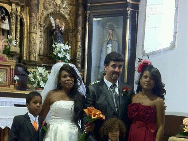 La boda de Luciane Aparecida y Juan Antonio en Trabazos, Zamora 13