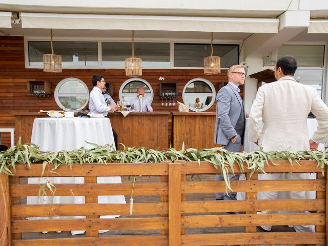 La boda de Javier y Diana en Arenys De Mar, Barcelona 22