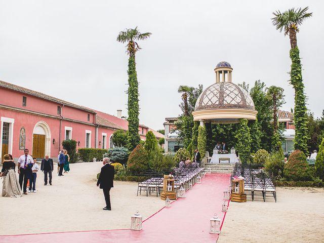 La boda de David y Raquel en Soto De Viñuelas, Madrid 39