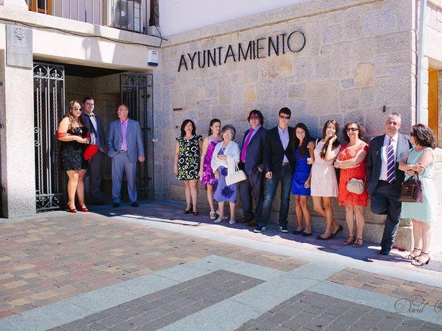 La boda de Conchi y Iván en Navalagamella, Madrid 32