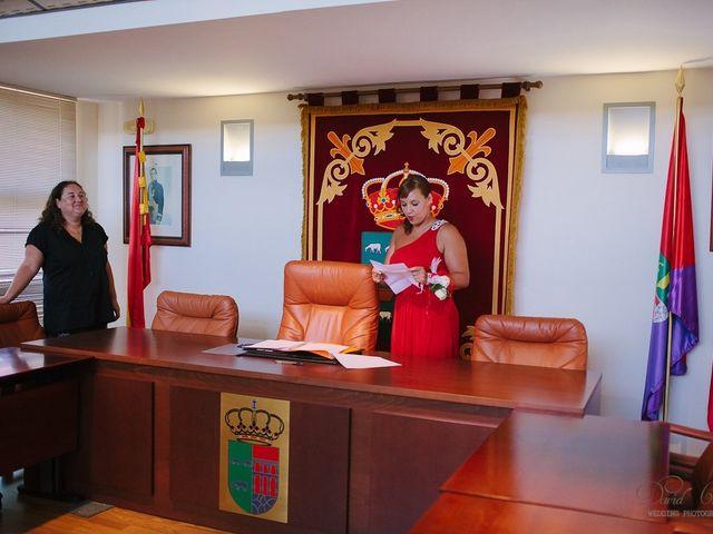 La boda de Conchi y Iván en Navalagamella, Madrid 64