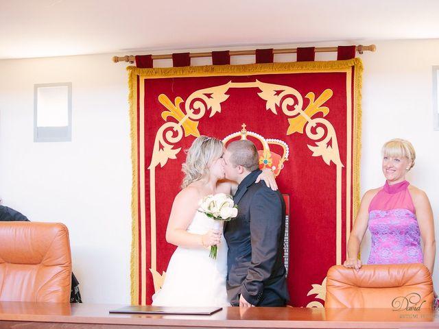 La boda de Conchi y Iván en Navalagamella, Madrid 71