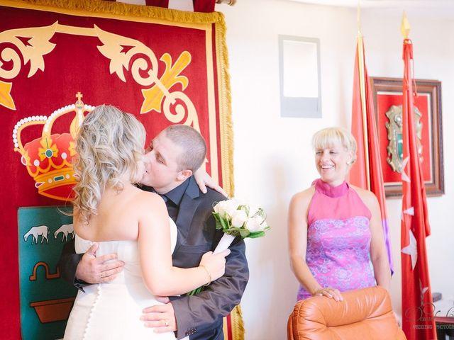 La boda de Conchi y Iván en Navalagamella, Madrid 72