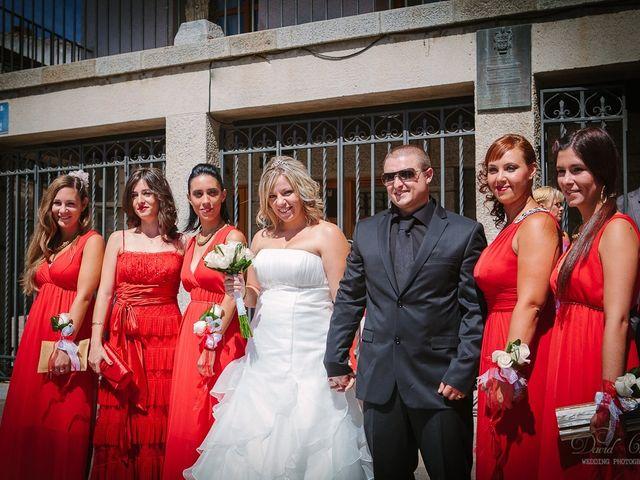 La boda de Conchi y Iván en Navalagamella, Madrid 74