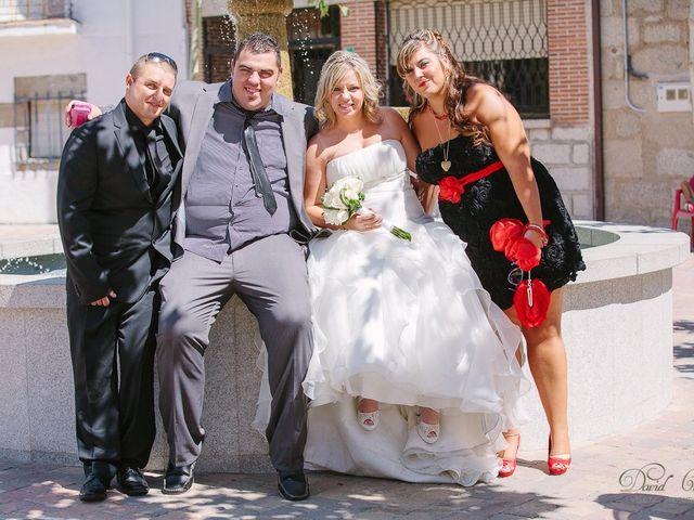 La boda de Conchi y Iván en Navalagamella, Madrid 78