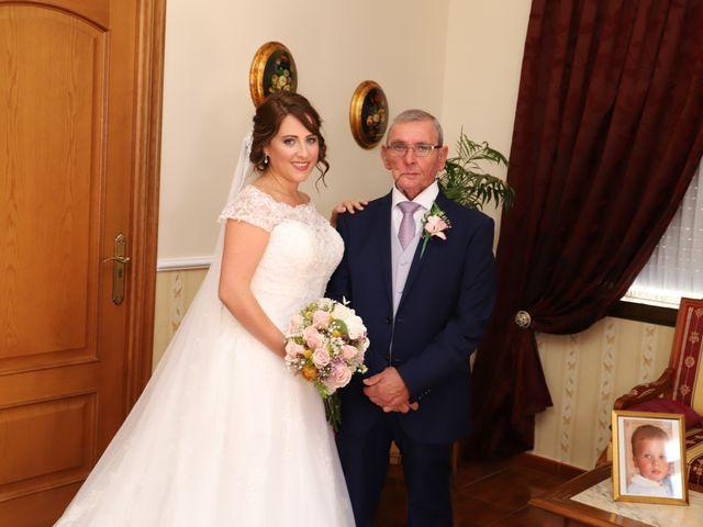 La boda de Dario y Mari Carmen en Casas De Fernando Alonso, Cuenca 8