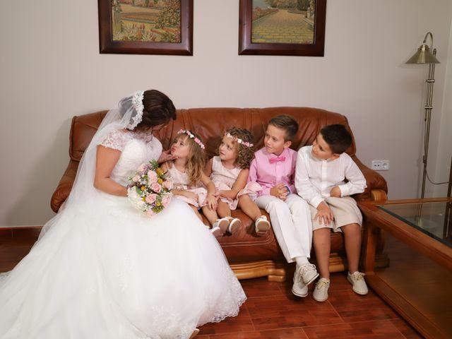 La boda de Dario y Mari Carmen en Casas De Fernando Alonso, Cuenca 12