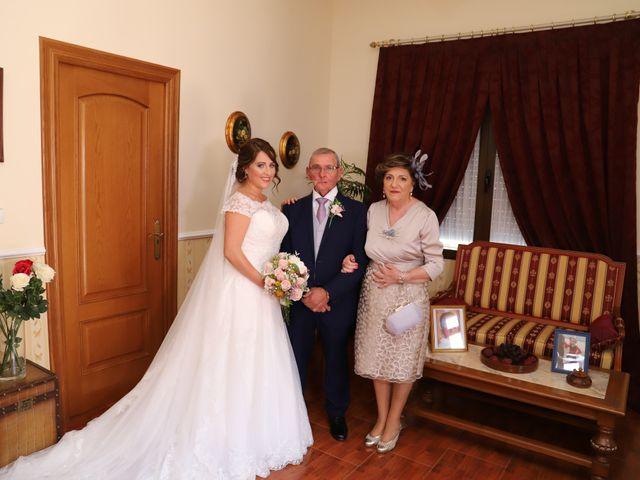 La boda de Dario y Mari Carmen en Casas De Fernando Alonso, Cuenca 29