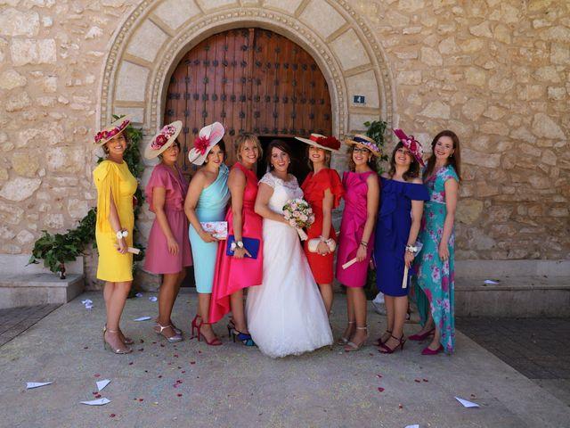 La boda de Dario y Mari Carmen en Casas De Fernando Alonso, Cuenca 31