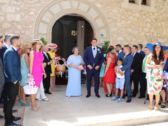 La boda de Dario y Mari Carmen en Casas De Fernando Alonso, Cuenca 34