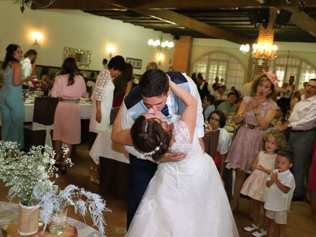 La boda de Dario y Mari Carmen en Casas De Fernando Alonso, Cuenca 55