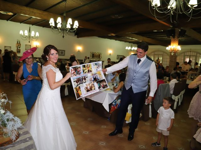 La boda de Dario y Mari Carmen en Casas De Fernando Alonso, Cuenca 56