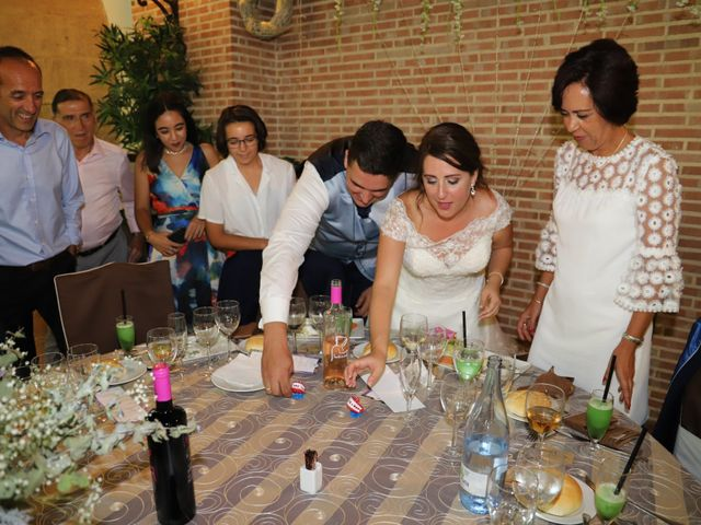 La boda de Dario y Mari Carmen en Casas De Fernando Alonso, Cuenca 58