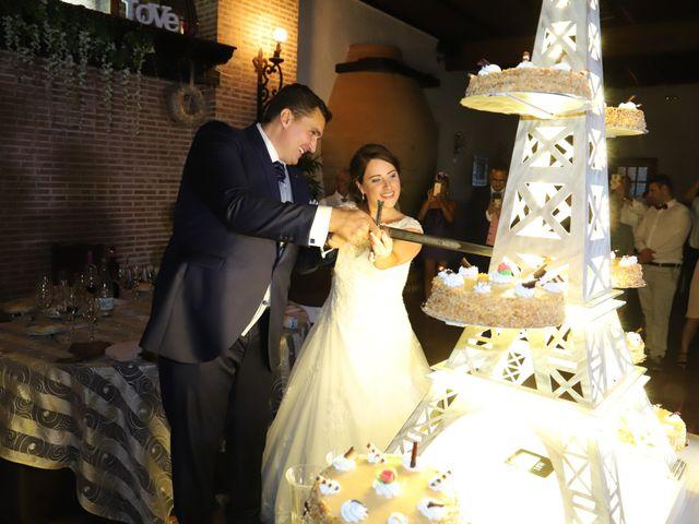 La boda de Dario y Mari Carmen en Casas De Fernando Alonso, Cuenca 67
