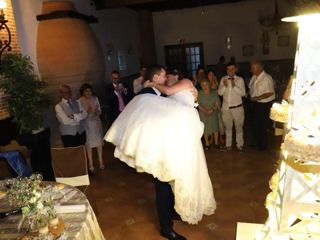 La boda de Dario y Mari Carmen en Casas De Fernando Alonso, Cuenca 68