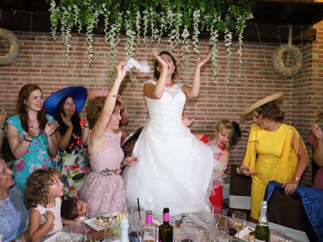 La boda de Dario y Mari Carmen en Casas De Fernando Alonso, Cuenca 75