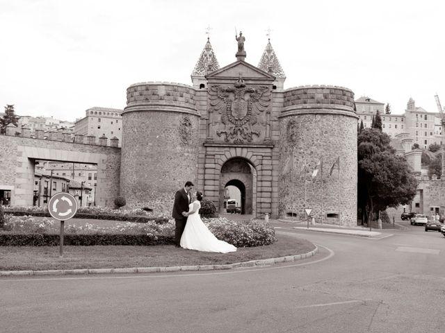 La boda de Dario y Mari Carmen en Casas De Fernando Alonso, Cuenca 76