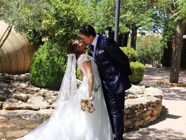 La boda de Dario y Mari Carmen en Casas De Fernando Alonso, Cuenca 77