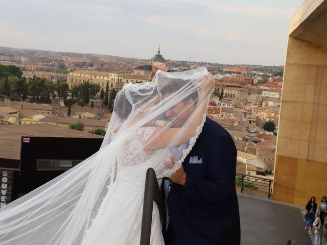 La boda de Dario y Mari Carmen en Casas De Fernando Alonso, Cuenca 91