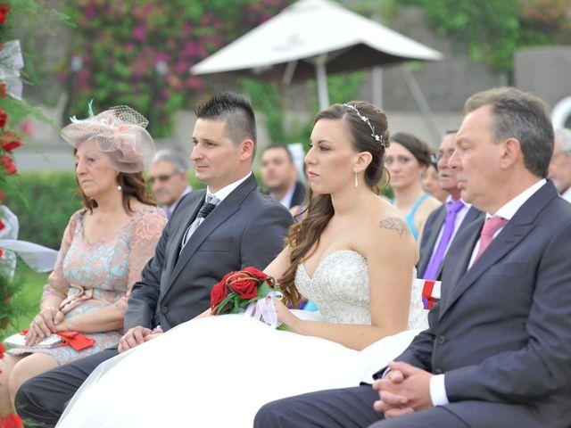 La boda de Héctor y Miriam en Gava, Barcelona 14