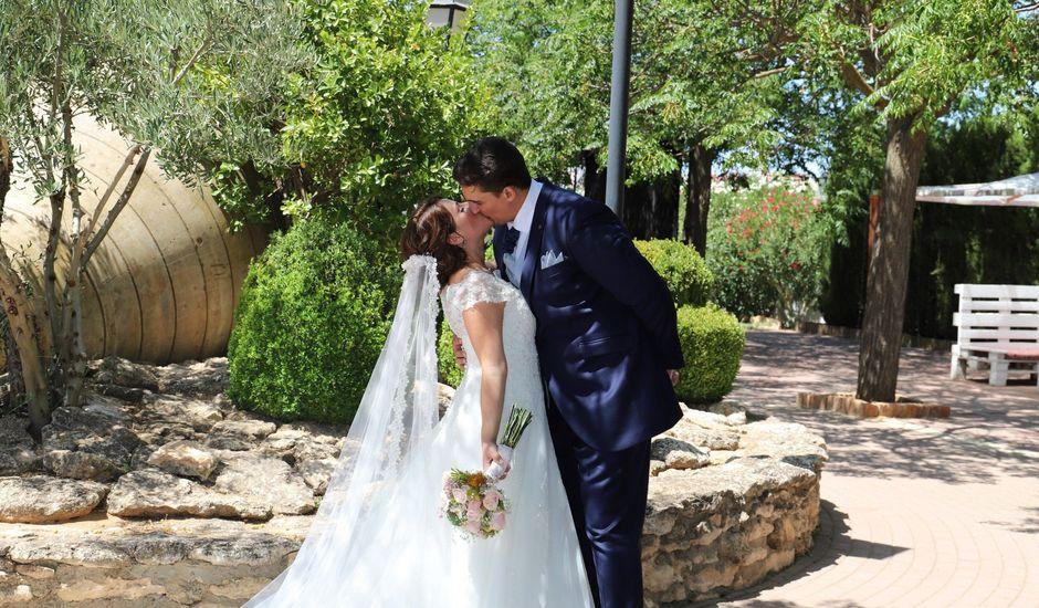 La boda de Dario y Mari Carmen en Casas De Fernando Alonso, Cuenca