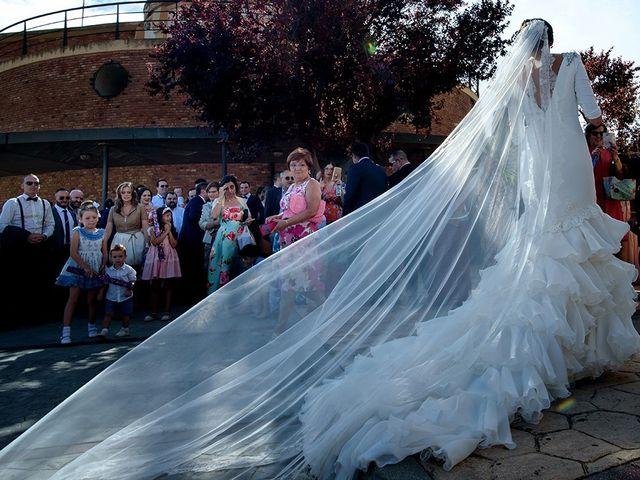 La boda de Carlos y Patricia en Ejea De Los Caballeros, Zaragoza 51