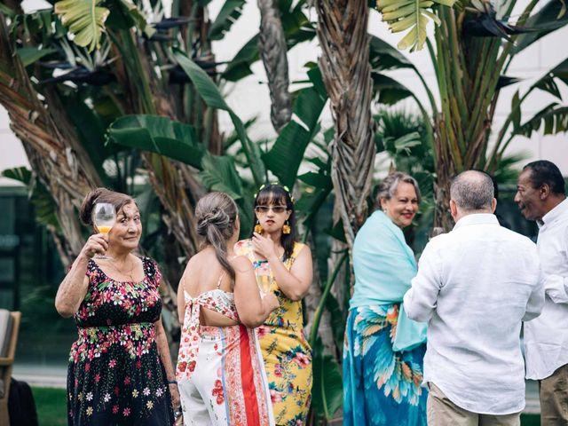 La boda de Julián y Angélica en El Vendrell, Tarragona 13