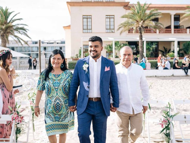 La boda de Julián y Angélica en El Vendrell, Tarragona 16