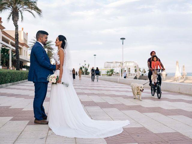 La boda de Julián y Angélica en El Vendrell, Tarragona 27