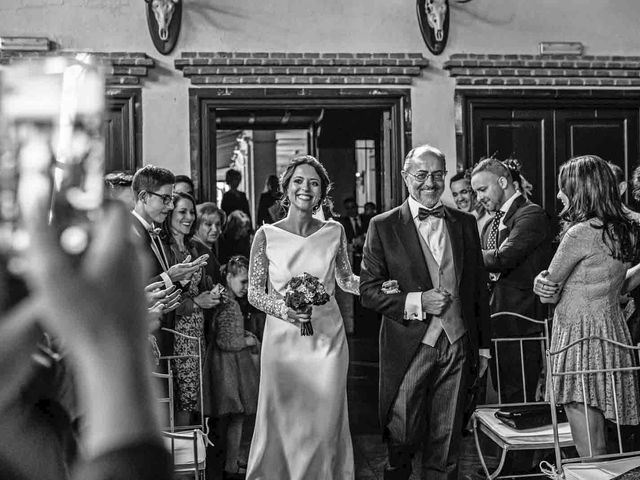 La boda de Alberto y Guadalupe en Alcobendas, Madrid 15