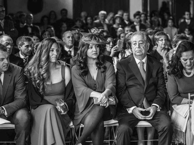 La boda de Alberto y Guadalupe en Alcobendas, Madrid 16