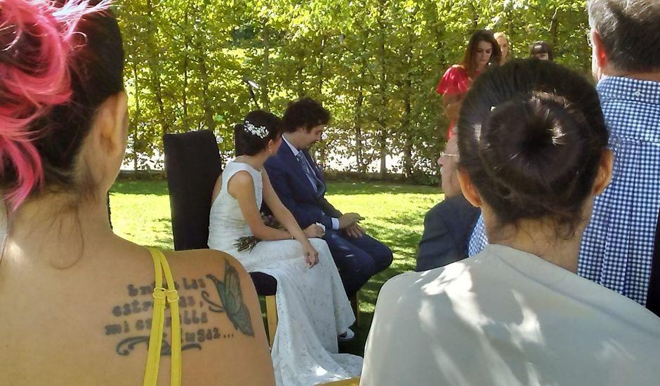 La boda de Ricardo y Beatriz en Biescas, Huesca