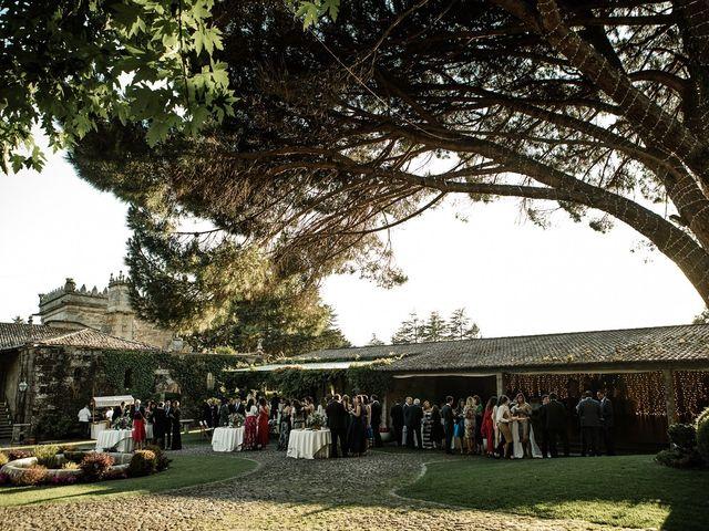 La boda de Tiago y Mónica  en Nigran, Pontevedra 30