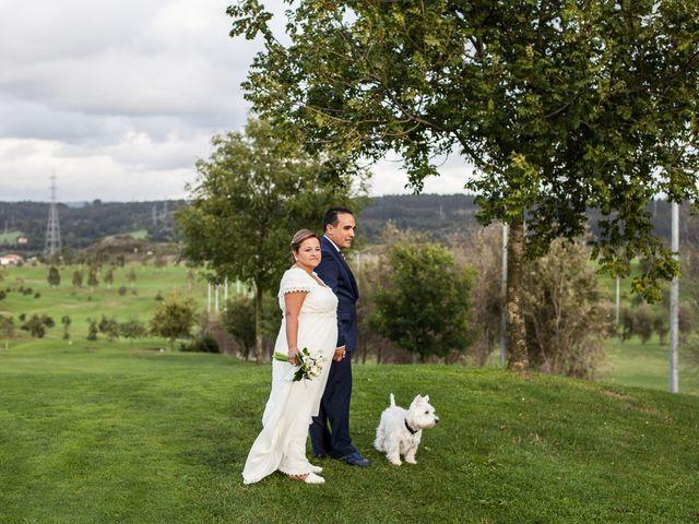 La boda de Rubén y Mercè en Avilés, Asturias 24