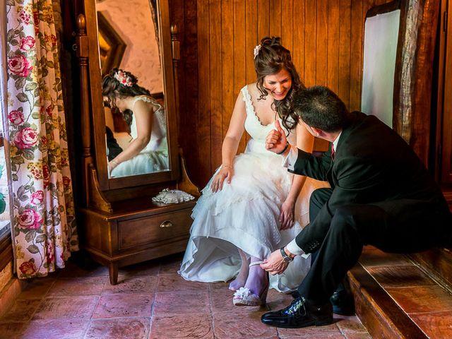 La boda de David y Aurora en Saelices, Cuenca 25