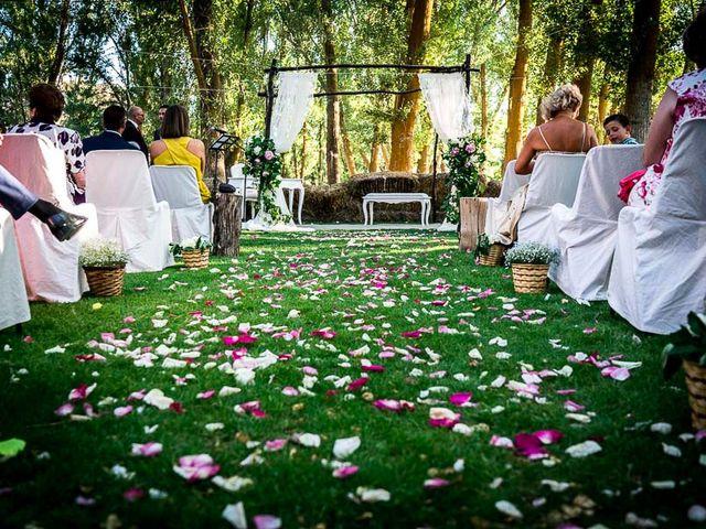 La boda de David y Aurora en Saelices, Cuenca 32