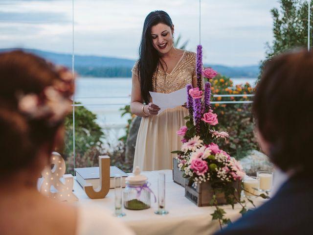 La boda de Javier y Laura en O Grove (Resto Parroquia), Pontevedra 32