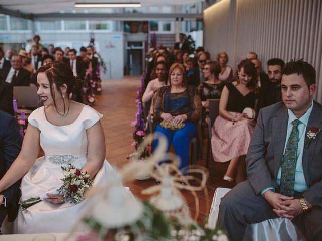 La boda de Javier y Laura en O Grove (Resto Parroquia), Pontevedra 35