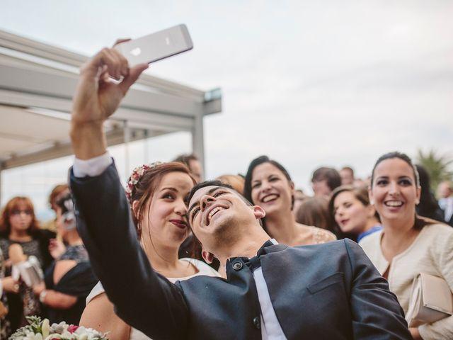La boda de Javier y Laura en O Grove (Resto Parroquia), Pontevedra 42