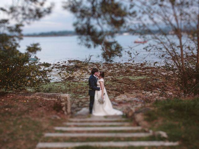 La boda de Javier y Laura en O Grove (Resto Parroquia), Pontevedra 45
