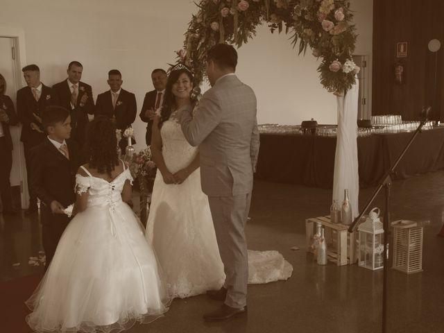 La boda de Galo y Yadira en Premia De Dalt, Barcelona 23