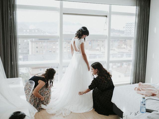 La boda de Miguel y Lucía en Oviedo, Asturias 6